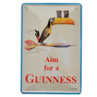 Cartel Publicitario Aim for a Guinness